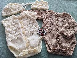 Knitting Pattern No.80 - Premature-6 months Long or Short Sleeved Vest