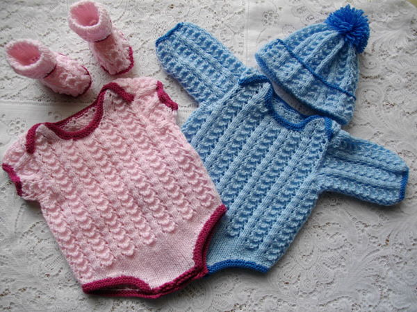 Uk Knitting Pattern For A Babys Body Suit And Matching Bobble Hat