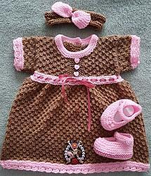 Knitting Pattern 099 gingerbread girl set