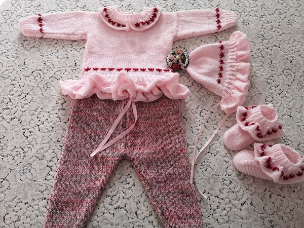 Knitting Pattern 097 Frilly sweater set