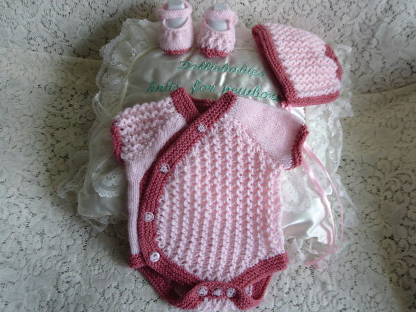 Knitting Pattern 065 Girls side buttoning vest